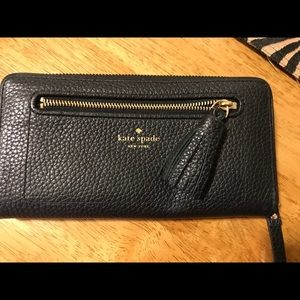 Kate Spade Leather Zip Around Wallet NEW